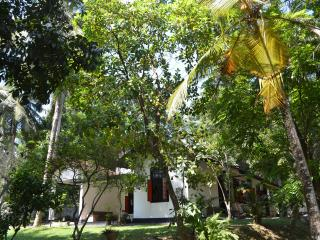 Aranga-La Self Catering Holiday Bungalow Srilanka - Colombo vacation rentals