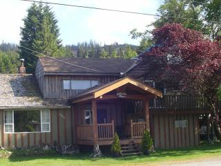 Renfrew RitZ Guesthouse - Port Renfrew vacation rentals