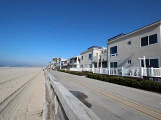 Ocean Front with Huge Private Patio! Kid-friendly! - Mission Beach vacation rentals
