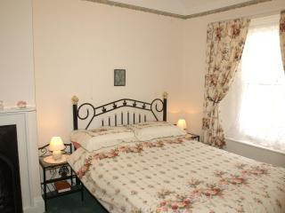 Tenby 4 star self catering cottage close to beach. - Pembrokeshire vacation rentals