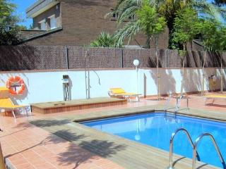 2-bedroom fully equipped apartments for rent near Barcelona and beach (up to 5 people) - Castelldefels vacation rentals