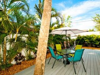 The Seashell Cottage - Holmes Beach vacation rentals