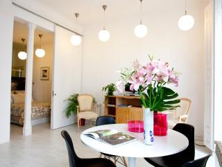 INMMACULATE! The WHITE LOFT, 2br central CHUECA - Madrid vacation rentals