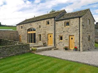 STONEYCROFT BARN, luxury holiday cottage, with a garden in Midhopestones, Ref 6188 - South Yorkshire vacation rentals