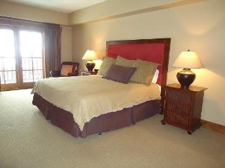 Lodge 210 - Hotel Room with King Bed and Balcony. Sleeps 2. WIFI - Southwestern Idaho vacation rentals