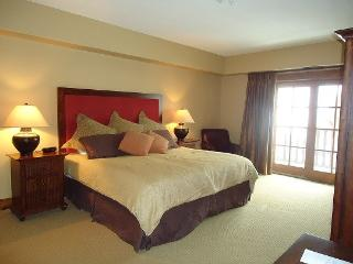 Lodge 216 Hotel Room with King Bed and Outdoor Balcony. Sleeps 2. WIFI - Southwestern Idaho vacation rentals