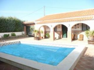 private pool and outside view of villa - 5 bedroom villa with pool in Spanish lake district - Ardales - rentals