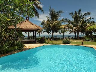 Villa Pantai - Luxury and Spacious Beach Villa - Lovina Beach vacation rentals