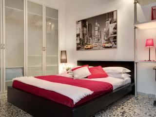 Comfortable and central apartment in Campo d Fiori - Rome vacation rentals
