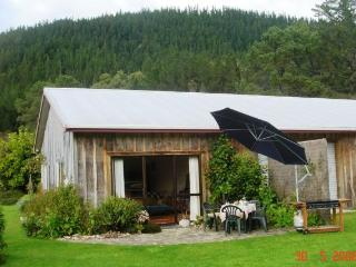 Te Maru Cottage - close to Hot Water Beach/Hahei - The Coromandel vacation rentals