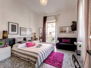 Delicious Apartment in Campo dei Fiori area - Rome vacation rentals