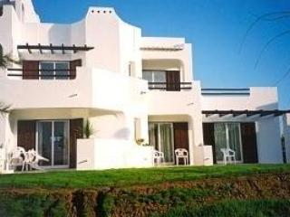 3 BEDROOM, GROUND FLOOR, AIR CONDITIONED APARTMENT - Albufeira vacation rentals