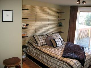 Mayes Master Bedroom - Historic Fishing Cottage w/ 2 units..updated to the 21st Century - Pacific City - rentals