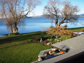 Waikuta Lakeside Retreat Rotorua - Rotorua vacation rentals