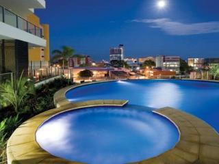 Darwin Executive Suites 2 Bedrooms + FREE CAR - Top End vacation rentals