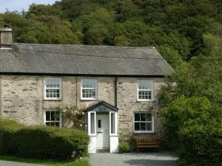 Honeysuckle Cottage, Satterthwaite, nr Hawkshead - Hawkshead vacation rentals