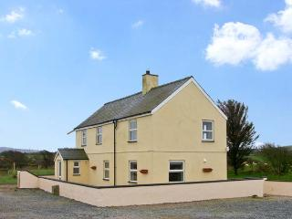 PANT FALI, family friendly, country holiday cottage, with a garden in Aberdaron, Ref 13004 - Aberdaron vacation rentals