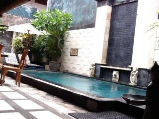 HIDDEN GARDEN VILLA #4 LEGIAN Safe & Secure - Legian vacation rentals