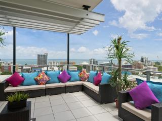 Darwin Executive Penthouse 3 Bedroom Amazing Views - Darwin vacation rentals