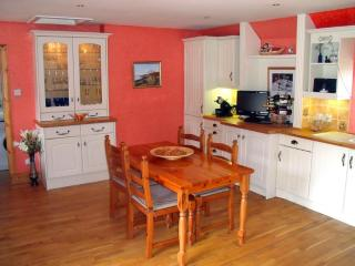 3 Bedroom Holiday Country Cottage Red Kites Fly By - Dingwall vacation rentals