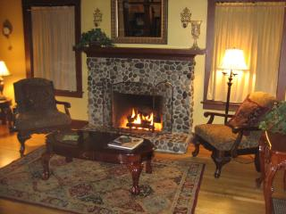 The 1908 House - large historic home with hot tub - Portland Metro vacation rentals