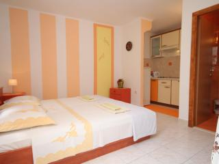 Apartman Orange - Hvar vacation rentals