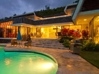 The Kailua Ocean View Villa has Great Views, Pool, Hot Tub near Kailua Beach. - Kaneohe vacation rentals