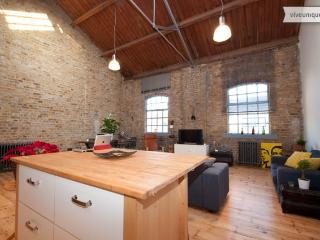 Quebec Wharf 1 bed apartment, Dalston - London vacation rentals