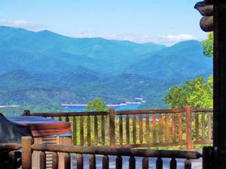 Big Timber Lodge - 3 Bedroom with Amazing View, Wi-Fi, and Hot Tub - Bryson City vacation rentals