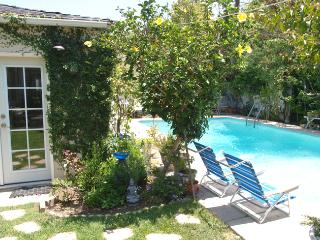 The Ultimate Escape - Renovated Cottage in Culver City w/ Pool & Garden - Culver City vacation rentals
