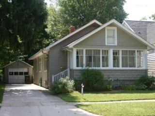 Sandpiper Inn - Weekly stays begin on Fridays - South Haven vacation rentals