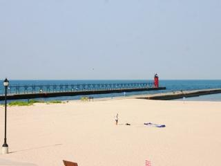 22 Lakeshore Dr - Weekly stays begin on Saturdays - South Haven vacation rentals