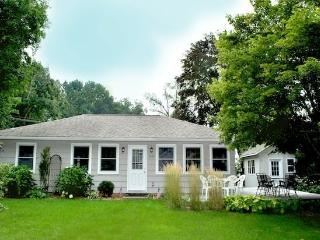 Eaton Park House - Weekly stays begin on Saturdays - Southwest Michigan vacation rentals