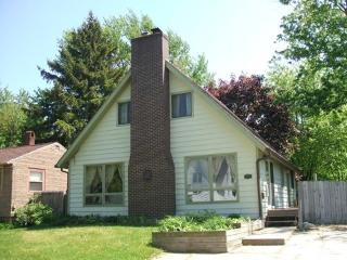 516 Chambers - Weekly stays begin on Sundays - South Haven vacation rentals
