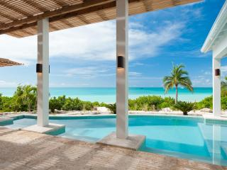 5-Bdrm villa right on sandy beach, fab pool&views! - Sapodilla Bay vacation rentals