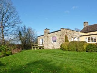 OLD FORD FARM ANNEXE, character holiday cottage, with a garden in Honiton, Ref 12053 - Devon vacation rentals