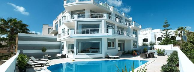 Facade of Villa Belvedere - 7 bedroom Holiday Villa in St,Julians - Saint Julian's - rentals