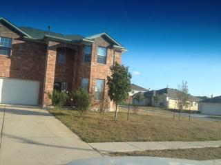 Spacious Home Austin/Buda near IH 35 Cabella's - Austin vacation rentals