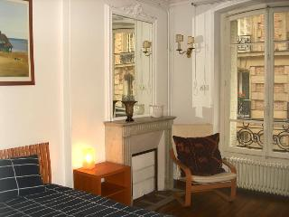 Arlette La Fourche Paris vacation rental for six - Barcelona vacation rentals