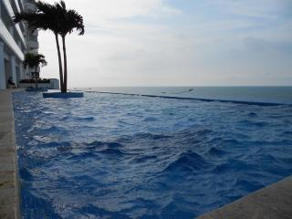Beach front near city center - 2 bedroom Cartagena - Colombia vacation rentals