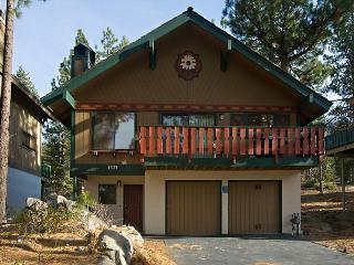 Nicely furnished family chalet with pool table and filtered lakeviews - South Lake Tahoe vacation rentals