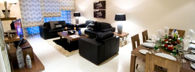Beautiful Living area - Luxurious 2BR Apts in Marina Walk, Dubai Marina - Dubai Marina - rentals