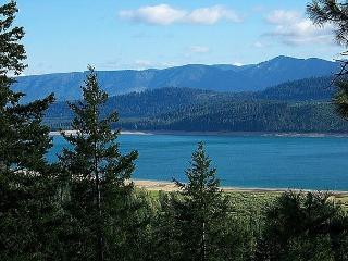 Get FREE Nights! New, Custom Home overlooking Lake Cle Elum! 4BR/4BA! - Cle Elum vacation rentals