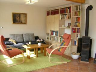 Vacation Apartment in Ramsthal - 646 sqft, bright, with private entrance (# 2440) - Koenigsberg in Bayern vacation rentals