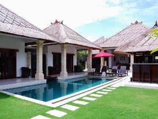 3 bedroom Villa Rama in the heart of Seminyak Bali - Seminyak vacation rentals