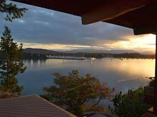 Spectacular Sidney 3 Bedroom Ocean Front Home with Incredible Island Views - Vancouver Island vacation rentals