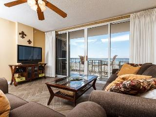 IP 213: Beachfront 2bedroom with WiFi, large HDTV's,free beach service - Fort Walton Beach vacation rentals