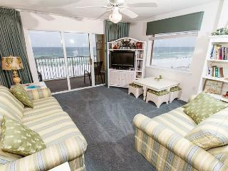 GD 417:directly on the beach,amazing view,well updated,WiFi,3 BR,FREE BCH SVC - Fort Walton Beach vacation rentals