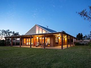 Little Bunda Cottage Wagga Wagga Australia - New South Wales vacation rentals