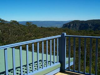 Katoomba Blue Mountains Retreat - Glorious Views - Blue Mountains vacation rentals
